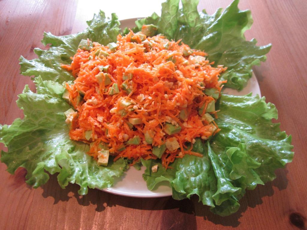 Салат из моркови с кешью