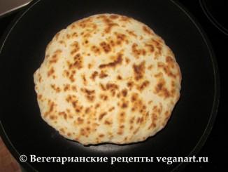 Готовый хачапури. Хачапури с сыром