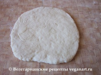 Раскатываем тесто. Хачапури с сыром