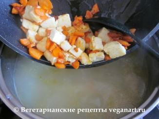 Добавляем поджарку в суп